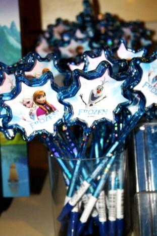 frozen gifts pens souvenir