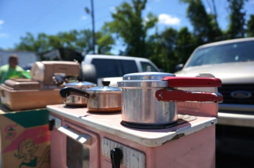 Child's working oven: golden nugget flea market review
