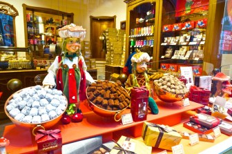 I loved window shopping too and checking out the ornate chocolate displays.