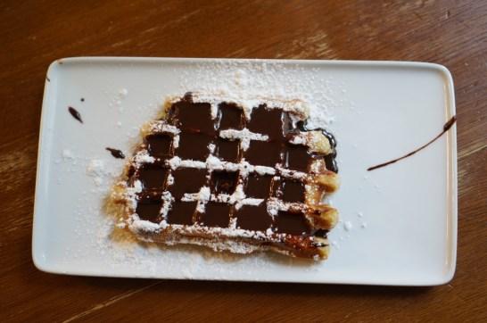 Belgian waffle Gaufre liege Brussels Chocolate sauce