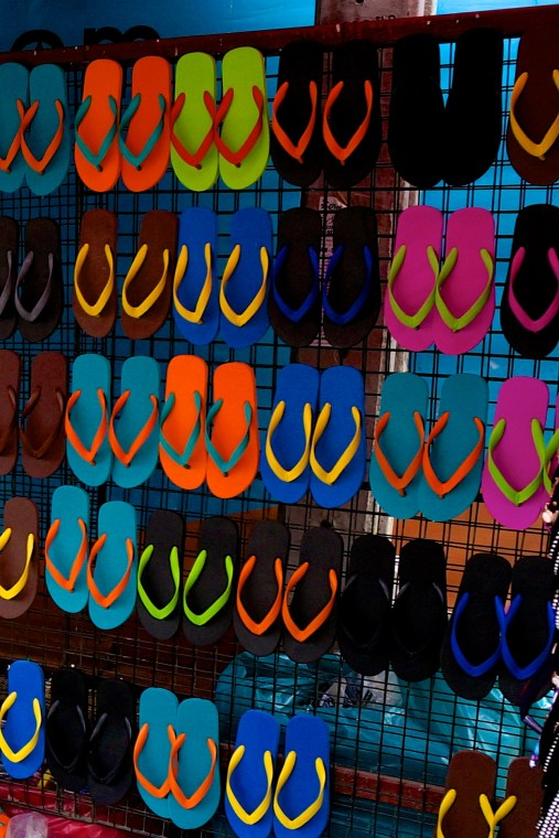 Best Thai Souvenirs Shopping Bangkok Jj Chatuchak Market Sandals Flipflops