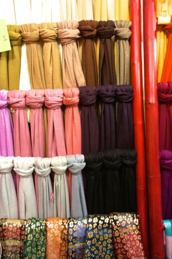 Best Thai Souvenirs Shopping Bangkok Jj Chatuchak Market Scarves Cheap