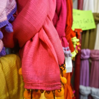 Best Thai Souvenirs Shopping Bangkok Jj Chatuchak Market Silk Scarves