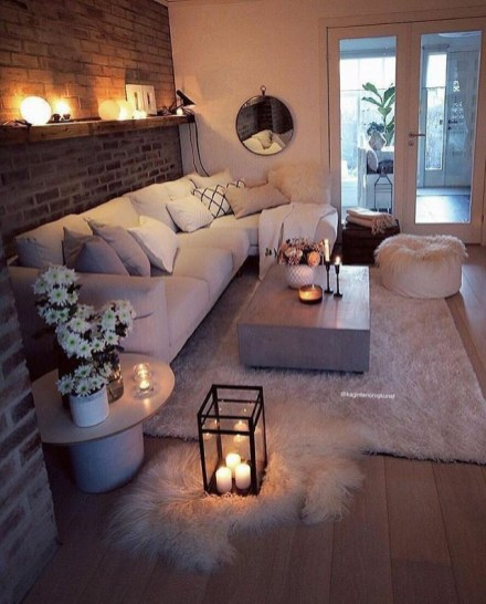 Fonte: https://allmodernmommy.com/cozy-living-room-ideas-for-small-spaces/