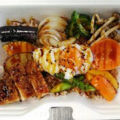 10品目のお野菜素揚げ弁当 380円 (税抜)