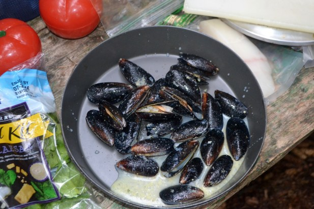 Mussels with garlic and butter