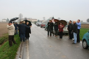 Rain was not a deterrent for the people of Redondesco