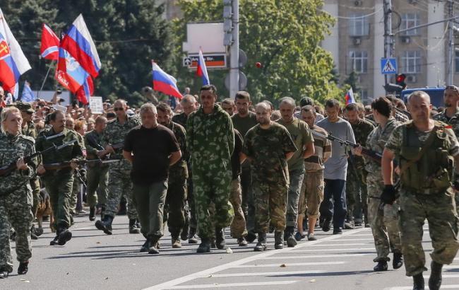 Двое украинских военных захвачены в плен в Донбассе