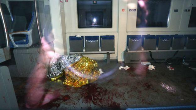 Cnr4dGCXgAAtrpS #новости германия, ИГ, нападение, поезд, раненые