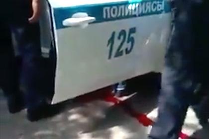 Двое полицейских погибли при стрельбе в Алма-Ате
