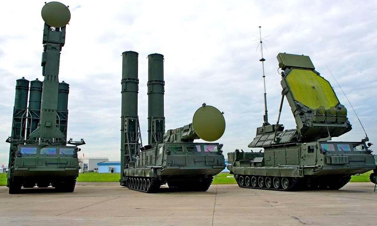 Россия перебросила в Крым зенитные комплексы С-400