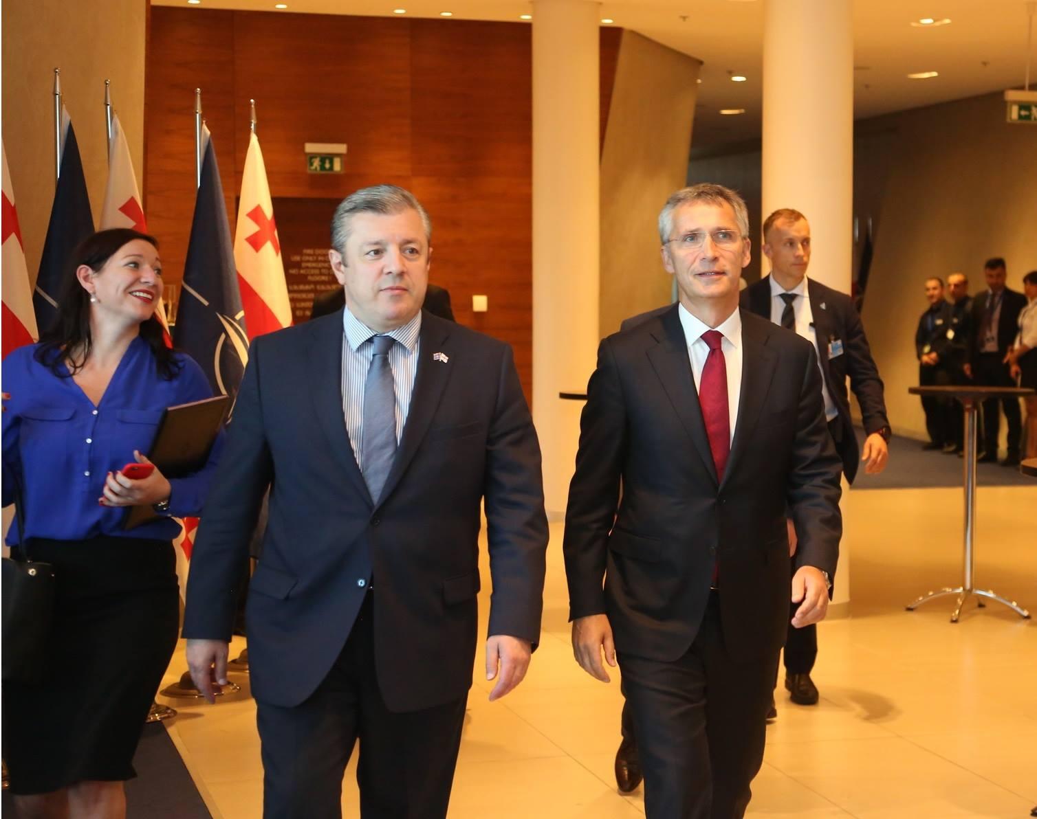 Генсек НАТО провел встречу с премьер министром Грузии