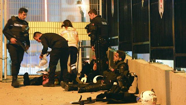 Двойной теракт Стамбуле: в Турции объявлен день траура