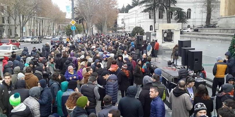 В Тбилиси задержаны участники акции движения «Белый шум»