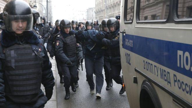 Новые задержания протестующих в Москве