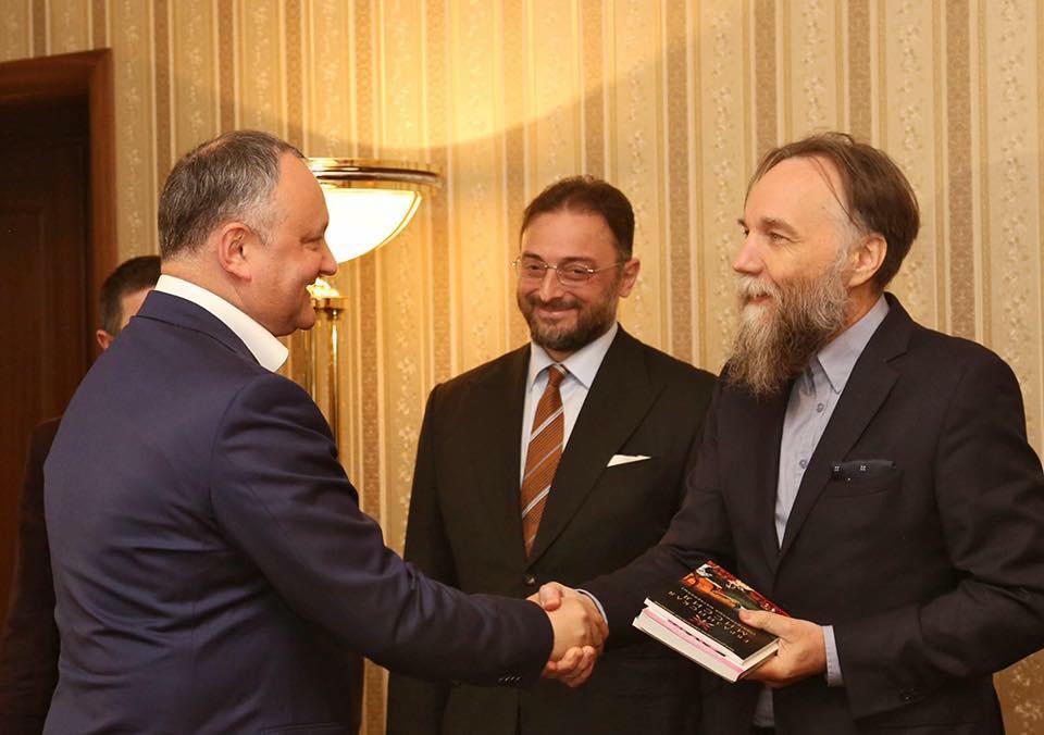 Леван Васадзе и Александр Дугин встретились на конференции в Кишиневе