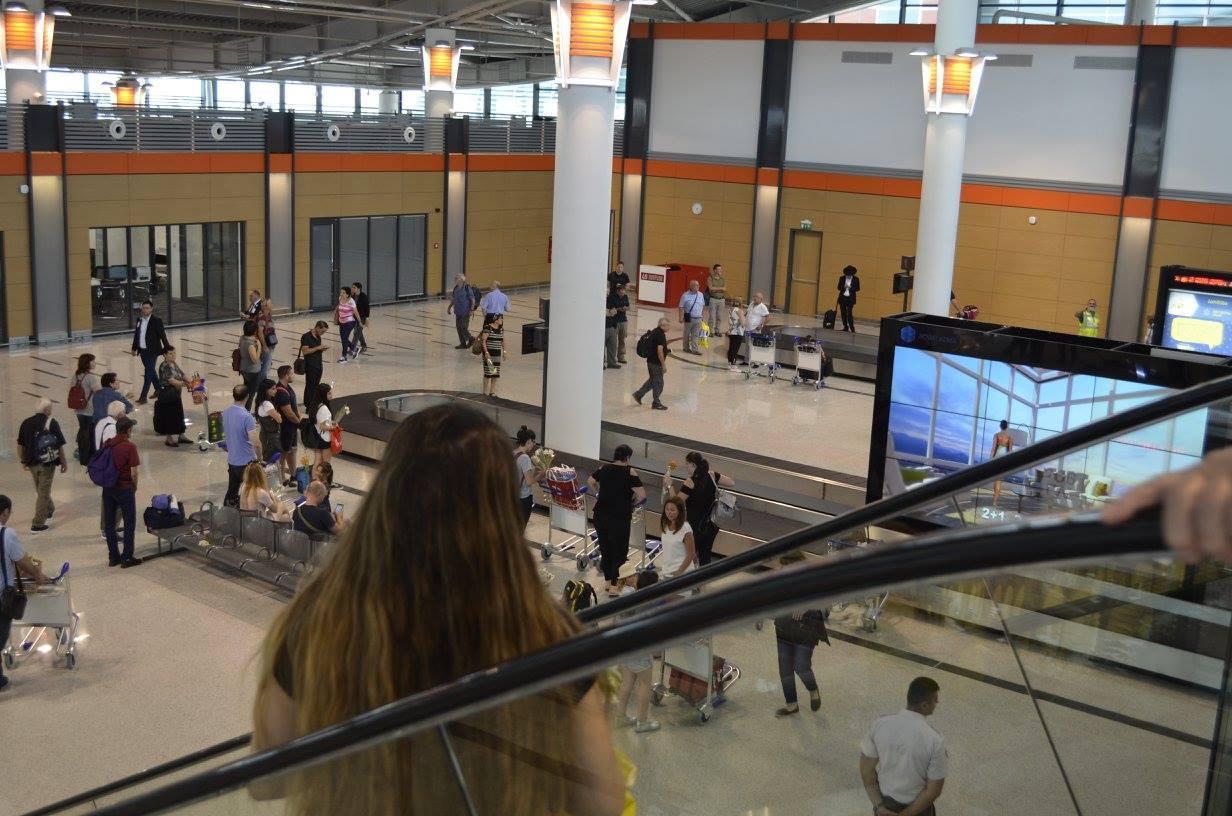 Новый терминал Тбилисского аэропорта принял первых пассажиров