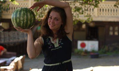 Девушка с арбузами – как в Тушетии открыли вегетарианское кафе