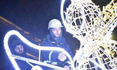 В Тбилиси зажигаются новогодние огни