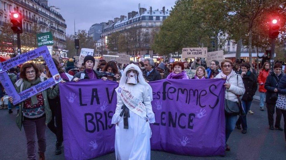 109809948 bf8d8f8c c6ed 4e4f abae aec87d260a0a 1 Новости BBC домашнее насилие, женщины, Испания, Италия, фемицид