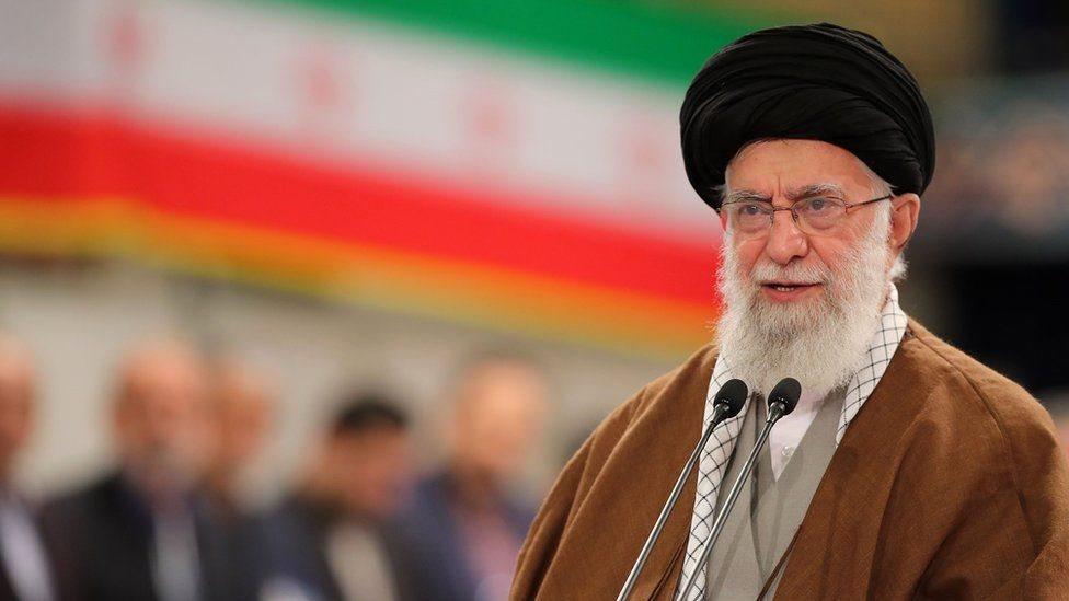 """Хаменеи назвал вирус """"биологической атакой"""""""