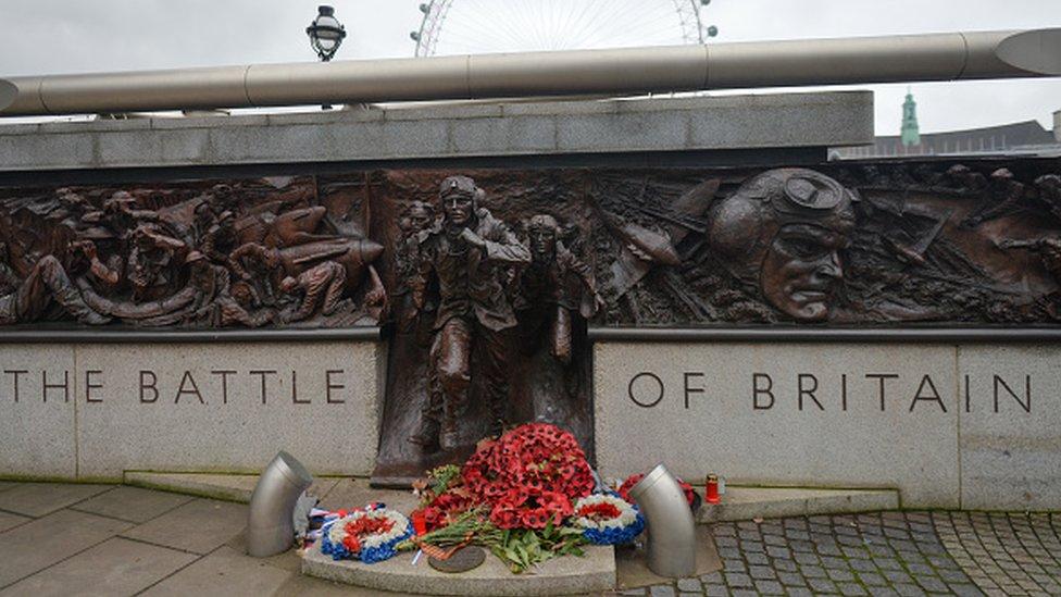 Монумент в центре Лондона