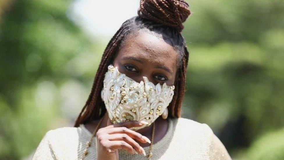 Сефия Сджеджамао считает, что пандемия гламуру не помеха