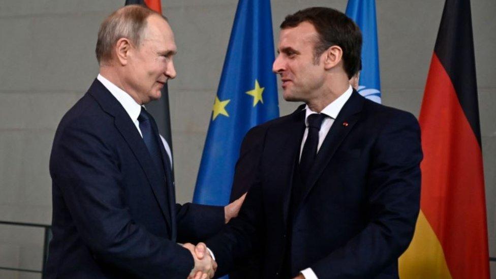 Владимир Путин и Эммануаэль Макрон, 19 января 2020 года