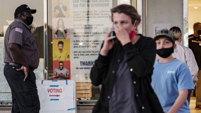 Американцы на избирательном участке