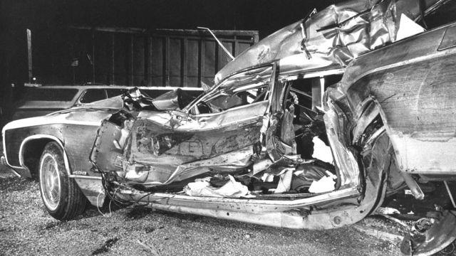Так выглядел искореженный автомобиль семьи Байденов после аварии