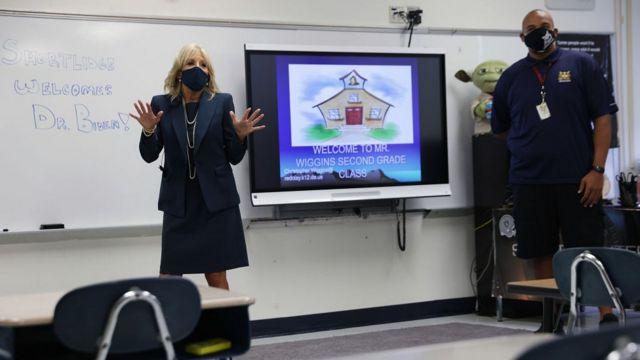 Джилл Байден в своем классе