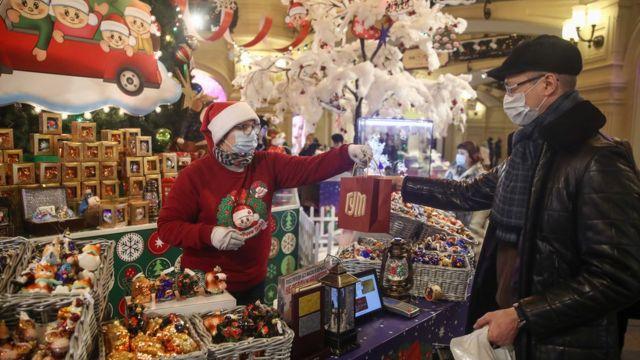 В Москве в этом году не запрещены новогодние и праздничные меропрития