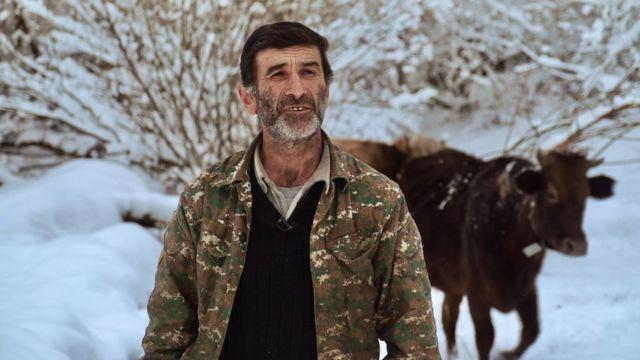 Житель разделённого границей села Шурнух Эдик Айрапетян