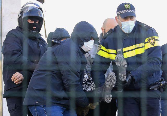 За административные правонарушения были задержаны более 20 человек