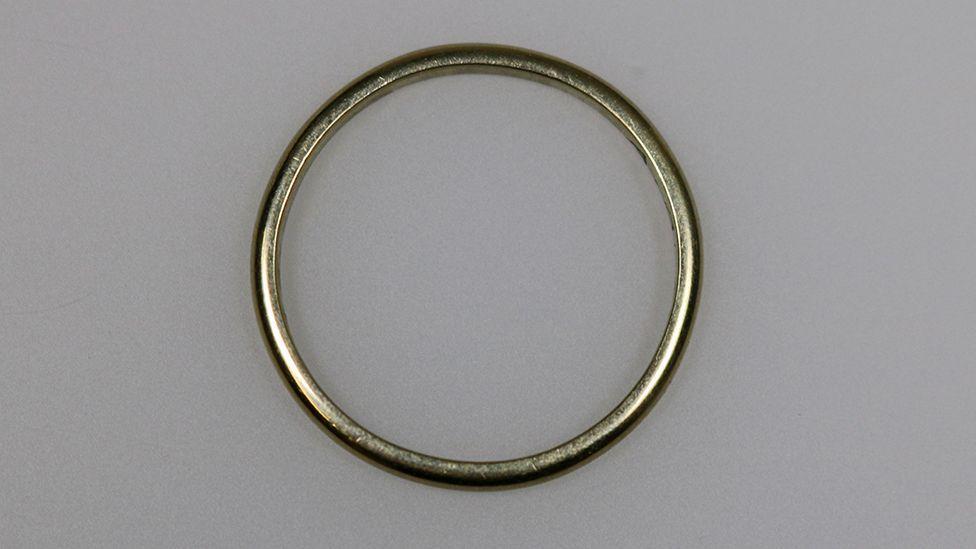 Помолвочное кольцо Марселя Леччиа в экспозиции мемориала Бухенвальда
