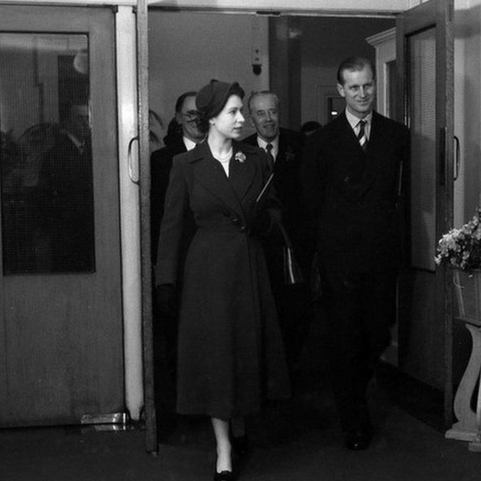Королева и принц Филипп, 1953 год