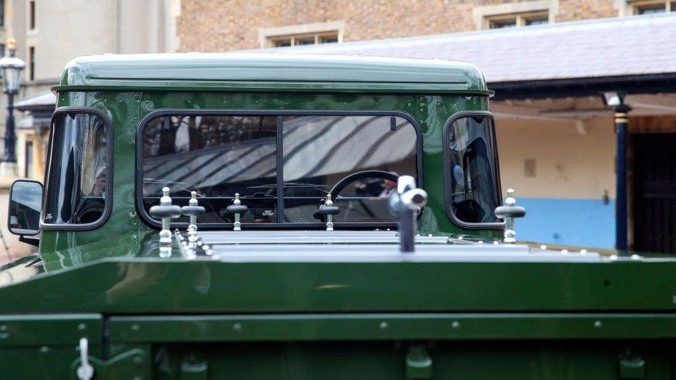 Land Rover, который полсужит катафалком для гроба с телом принца Филиппа.