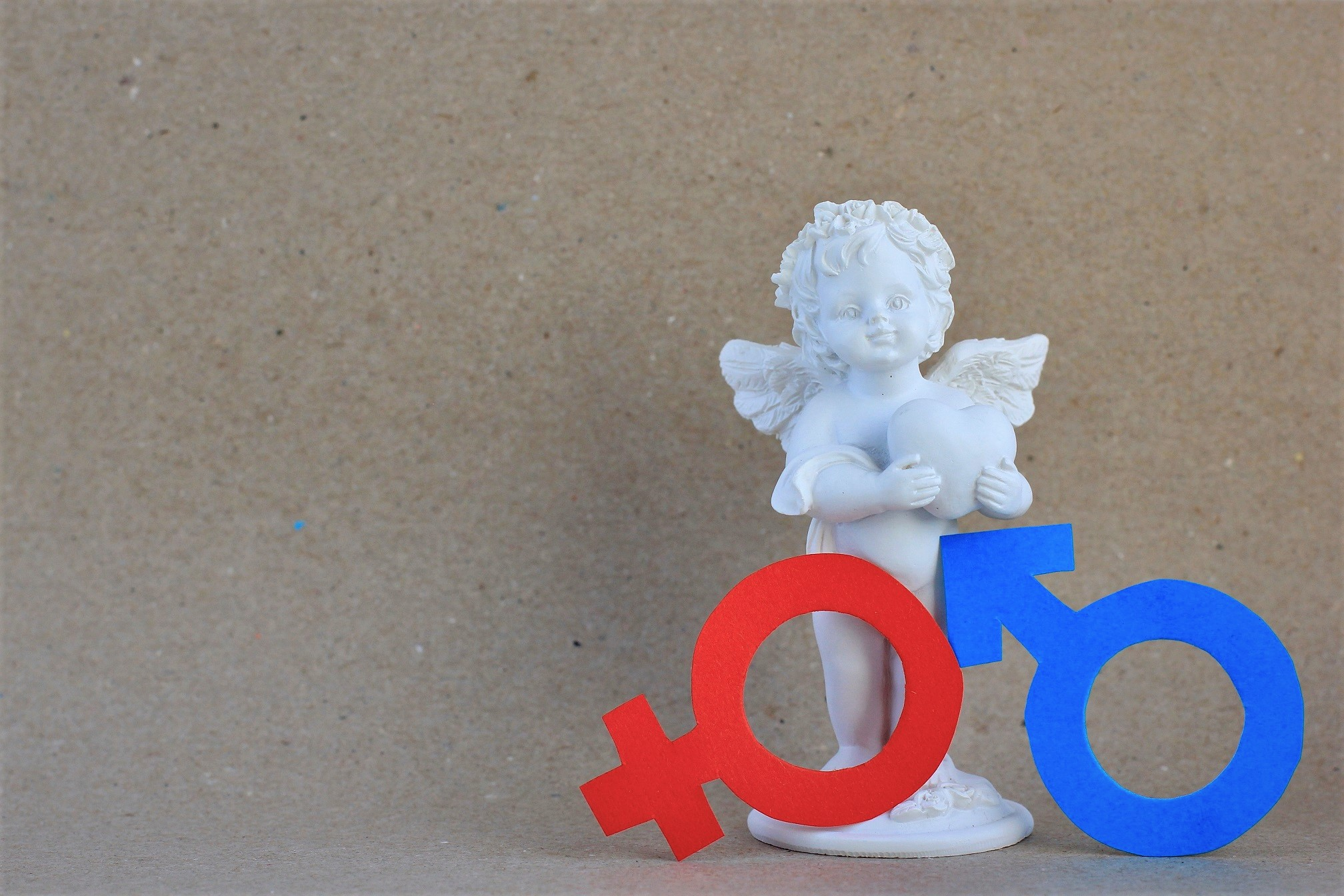 figurine-of-angel-with-red-female-and-blue-male-pa-YFC4T7H