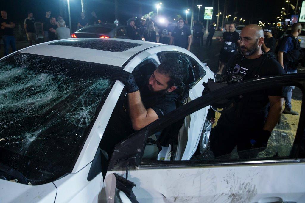 Машина израильского араба была атакована