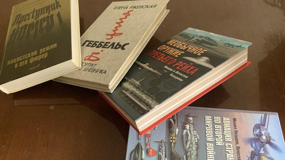 _119537957_books.jpg