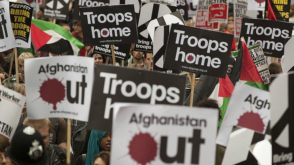 демонстрация за вывод войск из Афганистана в Лондоне в 2009 году
