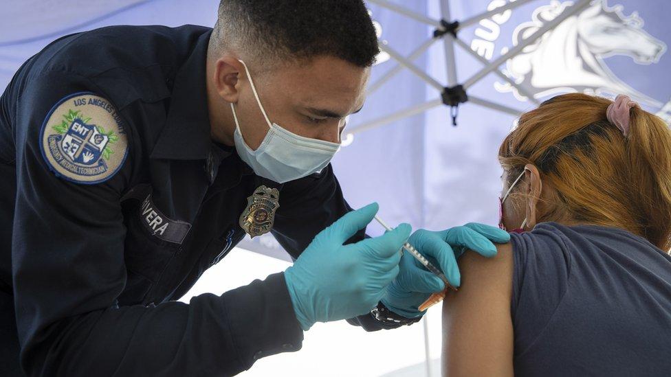 Вакцинация в США