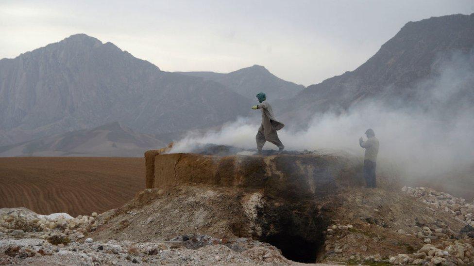 Так перерабатывают известняк в Мазари-Шарифе