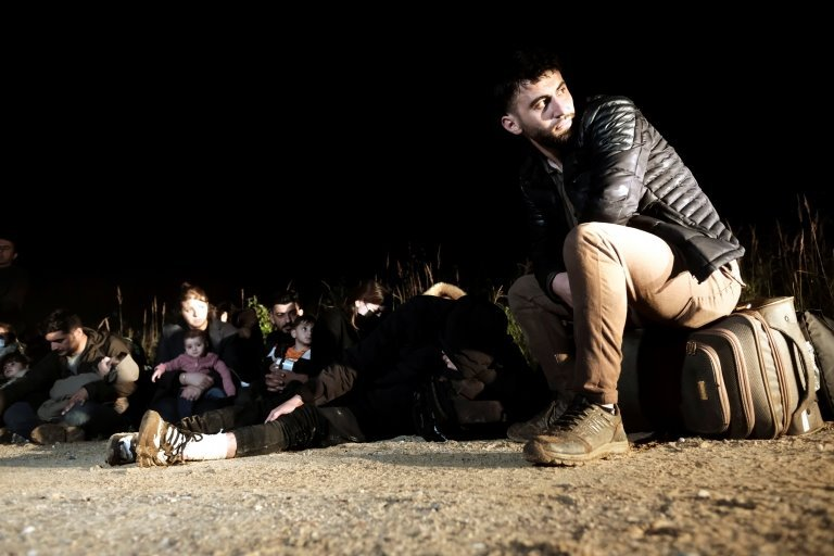 Мигранты, задержанные на латвийско-белорусской границе