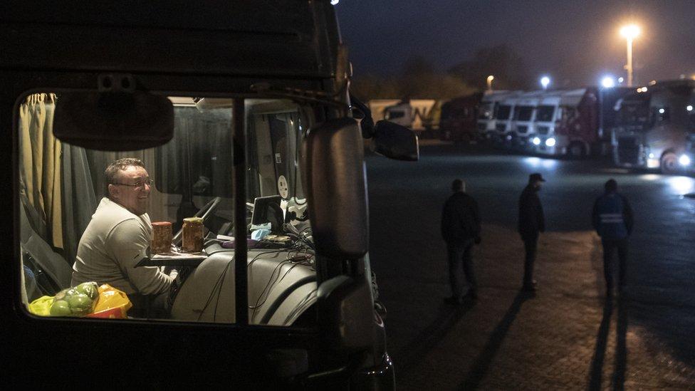 Карьера дальнобойщика не пользуется популярностью, выяснили британские перевозчики