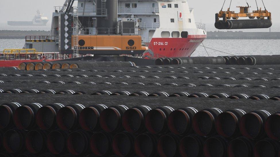 """""""Северный поток-2"""" уже уложен на дно Балтийского моря. """"Газпром"""" ждет одобрения Германии, чтобы начать качать газ"""
