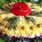 Салат с грибами и курицей: 8 вкуснейших рецептов