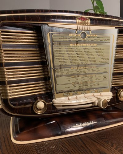 Radio Française – SNR Excelsior 52 – Ancêtre Zvezda 54 – Zébrée