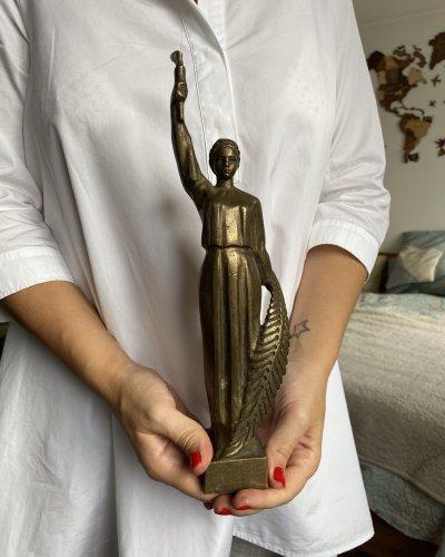 Sculpture – Monument femme URSS – Bronze- Dédicacée  1985
