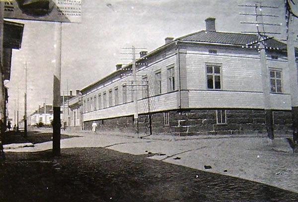 12 Franzenin talo